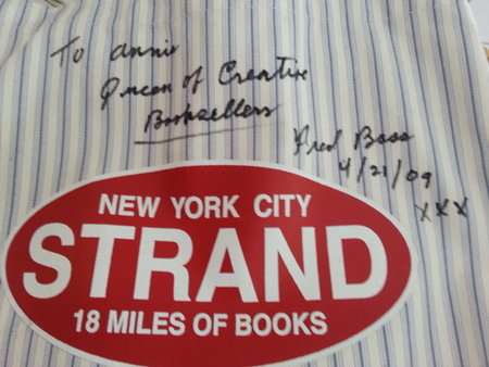 Strand_Queen_of_Creative_Booksellers,Medium